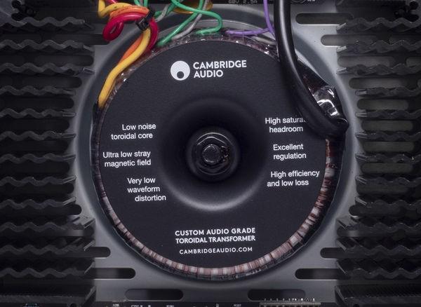 AMPLI INTEGRE DAC CAMBRIDGE CXA61